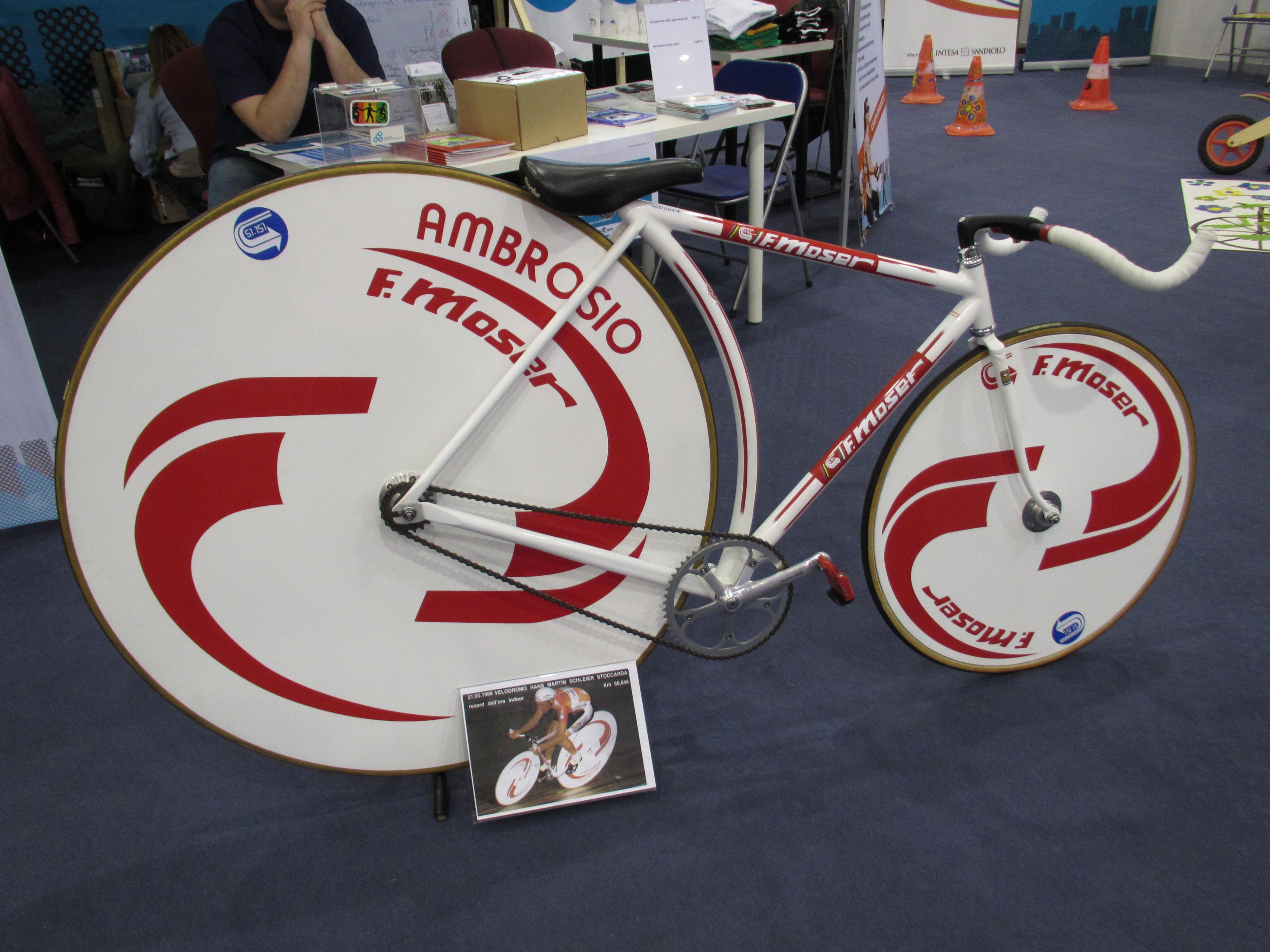 francesco-moser-hour-record-bike.jpg