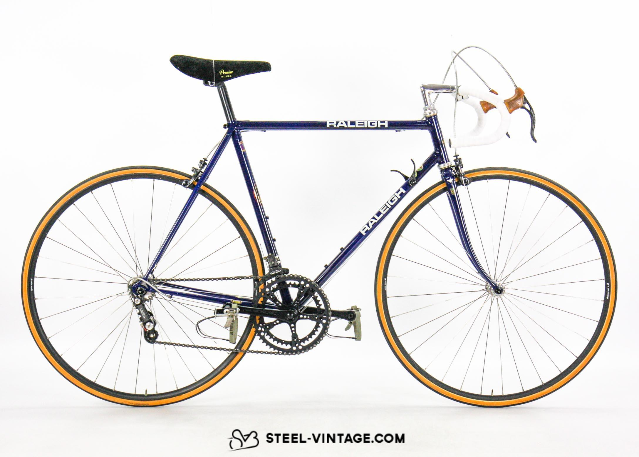 raleigh-lightweight-walter-classic-bicycle-1.jpg